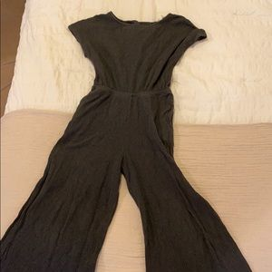 - GRAY JUMPSUIT WITH POCKETS